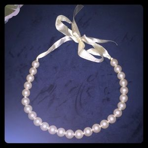Pretty large pearl necklace (costume)